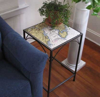 custom-map-marble-accent -table