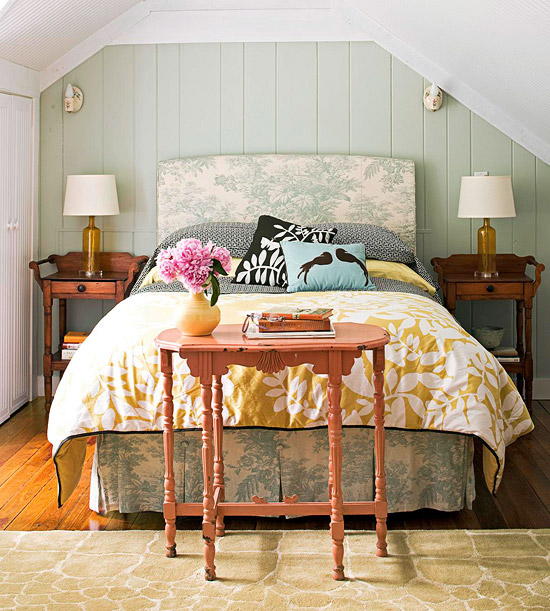 Rustic style cottage bedroom