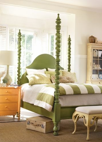 Cottage & Bungalow Catalina Poster Bed