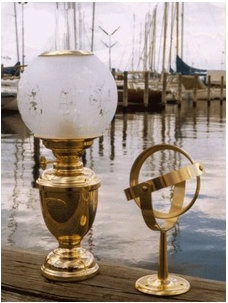 Cottage & Bungalow Classic Yacht Lamp with Compass Globe