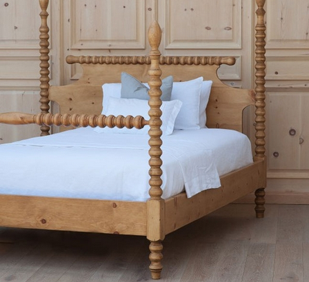 Spindle Post Bed