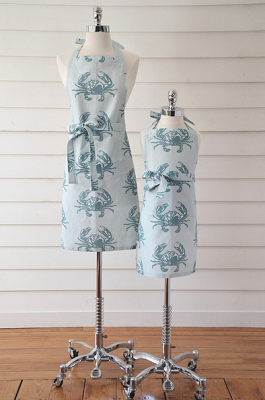 cottage and bungalow ocean crab apron