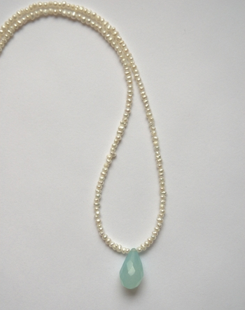 cottage and bungalow seafoam necklace