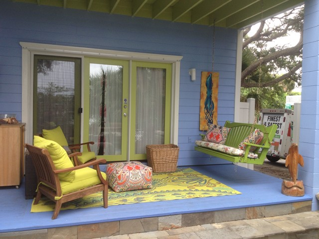 Back porch decorating ideas for summer cottage bungalow Cottage porch decorating ideas